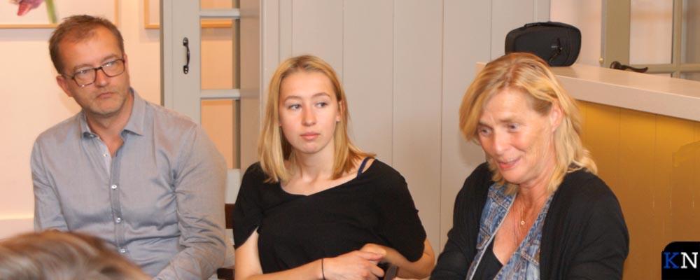 Voorzitter GertJan Brouwer (links) en coördinator Aline kramer (rechts) van Stichting Present.