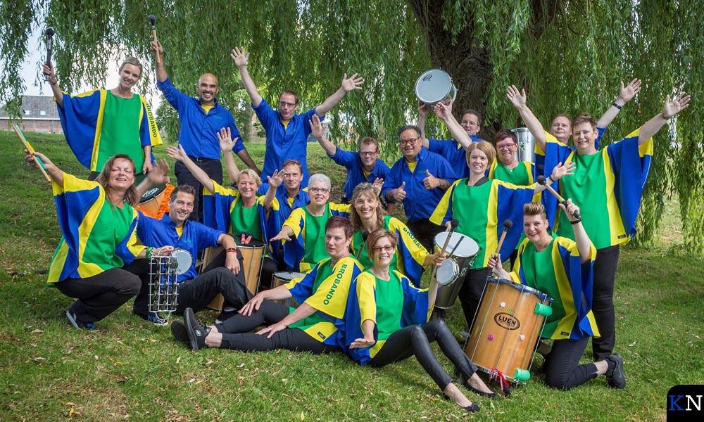 Percussiegroep Brobando in de nieuwe kleuren (foto: Anton Sollie).