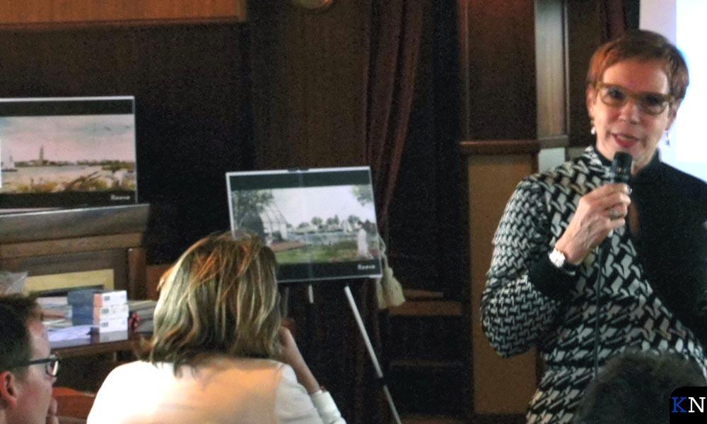 Tracy Metz gaf een lezing op de Abel Tasman.
