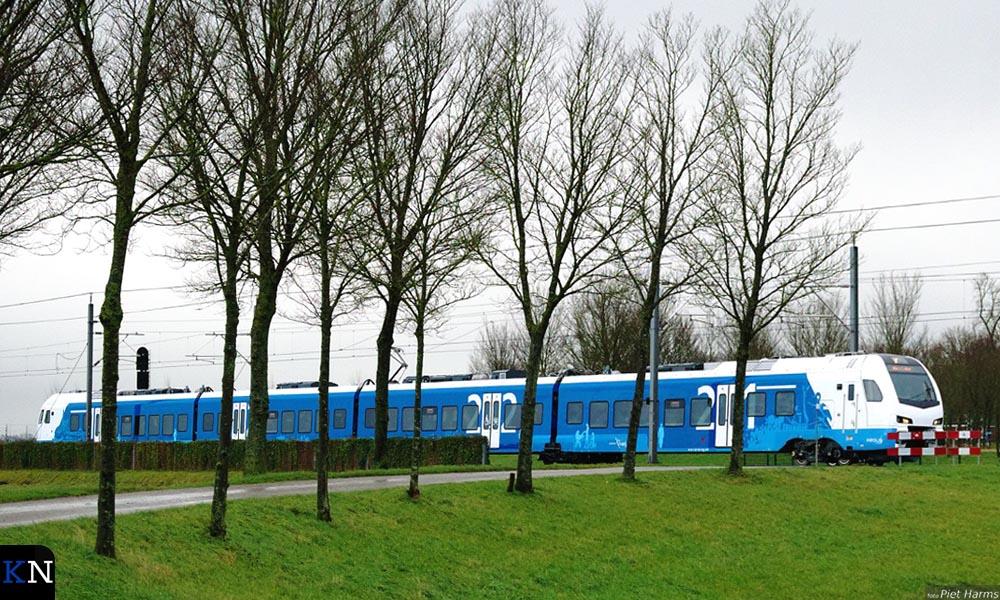 De nieuwe trein van Keolis op het Kamperlijntje maakt een testrit naar Kampen Zuid.