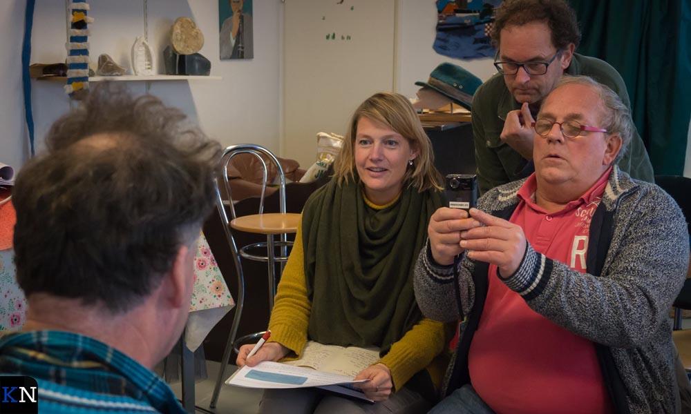 Rebekka en Jan nemen een interview af voor de Minikronieken.