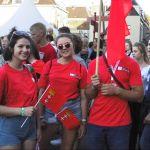 Drie jongedames van de Hanzedelegatie uit Gdansk.