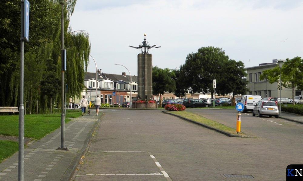 Het monument aan de 3e Ebbingestraat voor herstel van de foutieve restauratie.