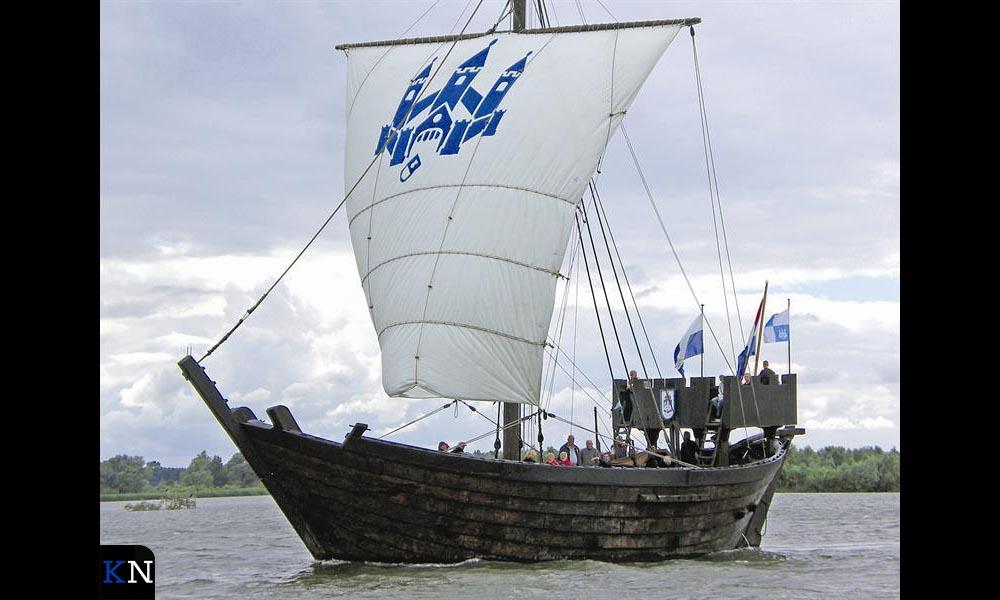 De Kamper Kogge is een replica van een middeleeuwse kogge uit de Hanzeperiode.