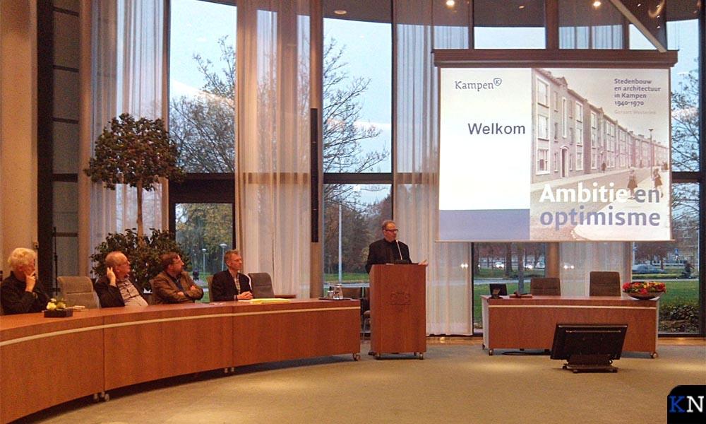 Geraart Westerink presenteert zijn nieuwe boek, uitgegeven en verkrijgbaar bij de IJsselacademie.