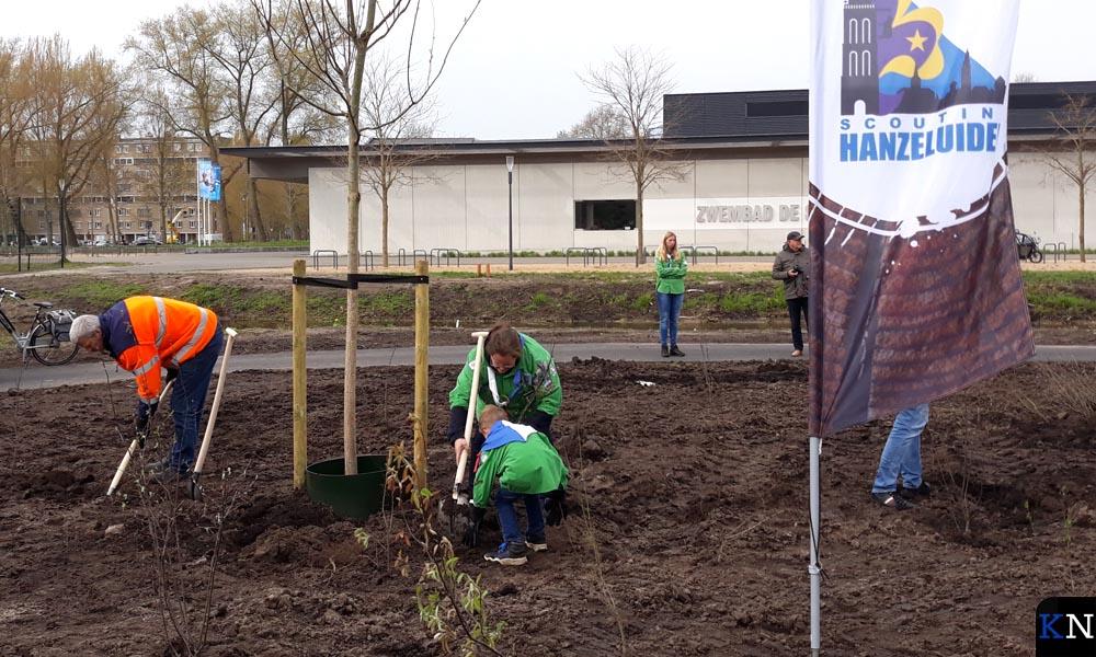 Welpen aan de slag in het Groene Hart van Kampen.