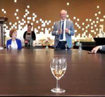 Vakantiebezoek aan Kampen van Nederlandse ambassadrice in Singapore