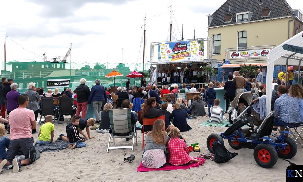 Beach Kampen opende zondagochtend met een oecumenische samenkomst waar Geert Meijering verstek moest laten gaan.