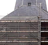 """Kogelgaten in wijzerplaten Bovenkerk behouden als """"litteken van de tijd"""""""