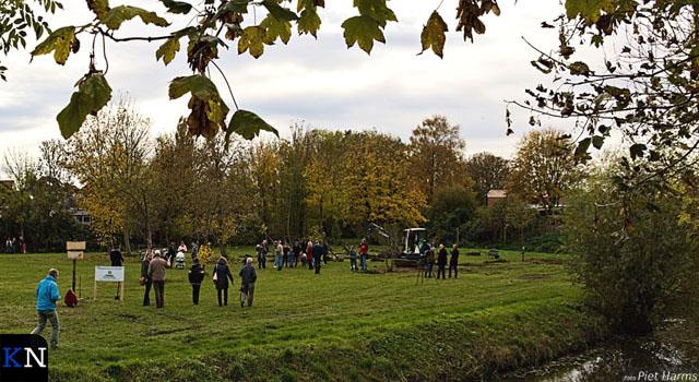 Voedselpark van start en bomen geplant (video)