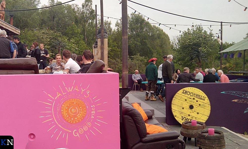 De BBBQ op het terras van Café Buiten.