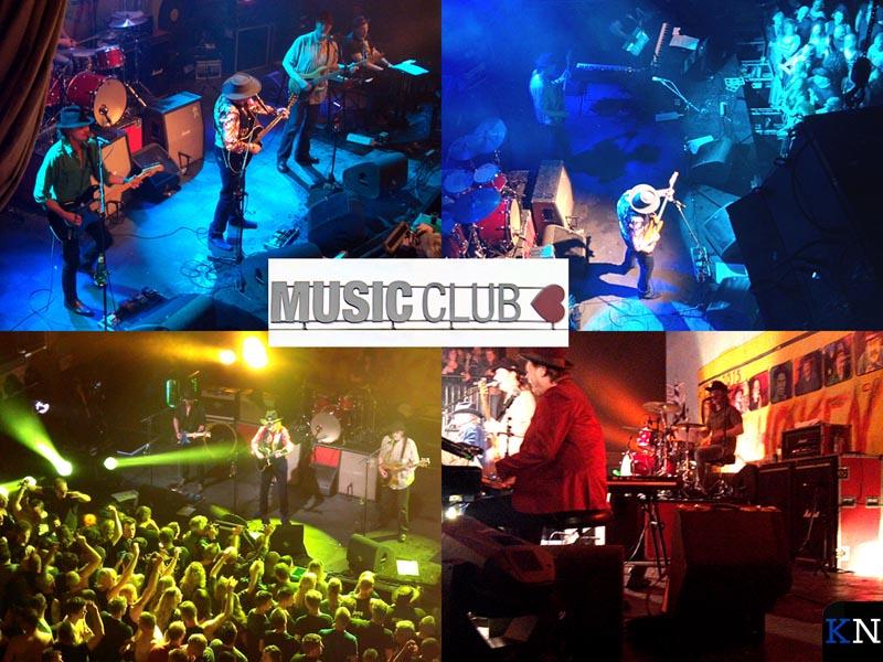 Vier momentopnames tijdens het optreden va Normaal in de Music Club.