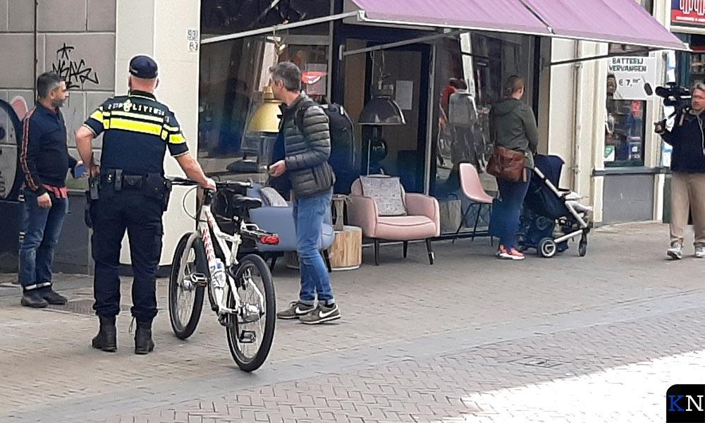 'Danny op straat' filmt in de Kamper Oudestraat