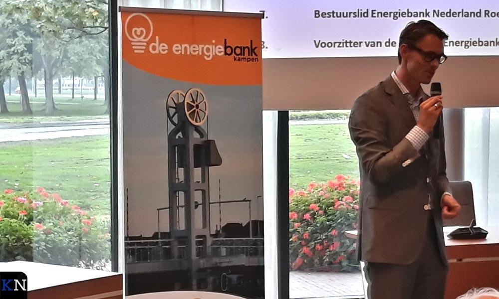 Roel Woudstra, bestuurslid landelijke energiebank, sprak ook een kort woordje.