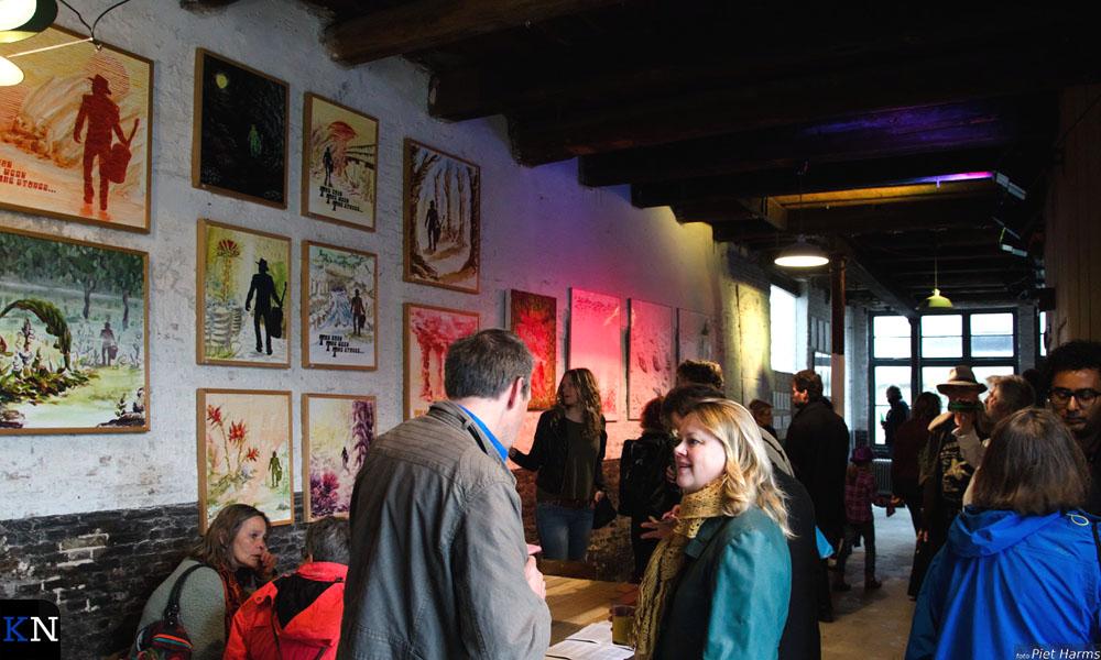 Velen waren afgekomen op de opening van de expositie van Henk Jans in De Sigaar.