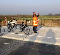 Fietspad Kamperstraatweg geopend maar autoweg paar dagen dicht (video)