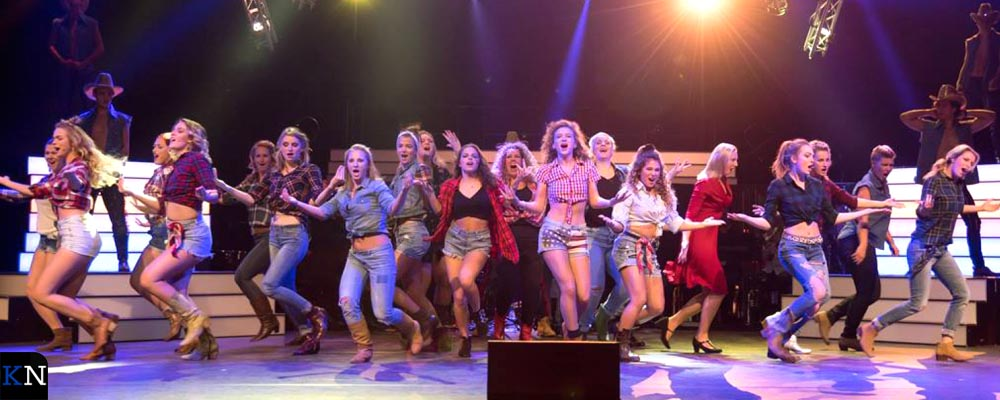 De Kamper cast van Footloose bij de uitreiking van de Amateur Musical Awards in Rottterdam.
