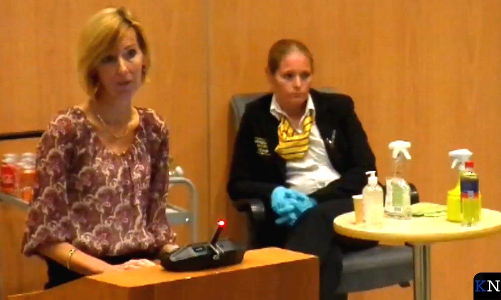 DPG GGD IJsselland Rianne van den Berg spreekt raadscommissie toe.