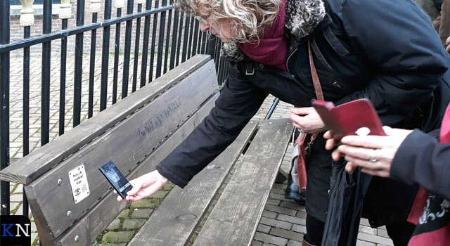 Poëzie Verbeeld: Hanzebankjes binnenstad vertonen gedichten