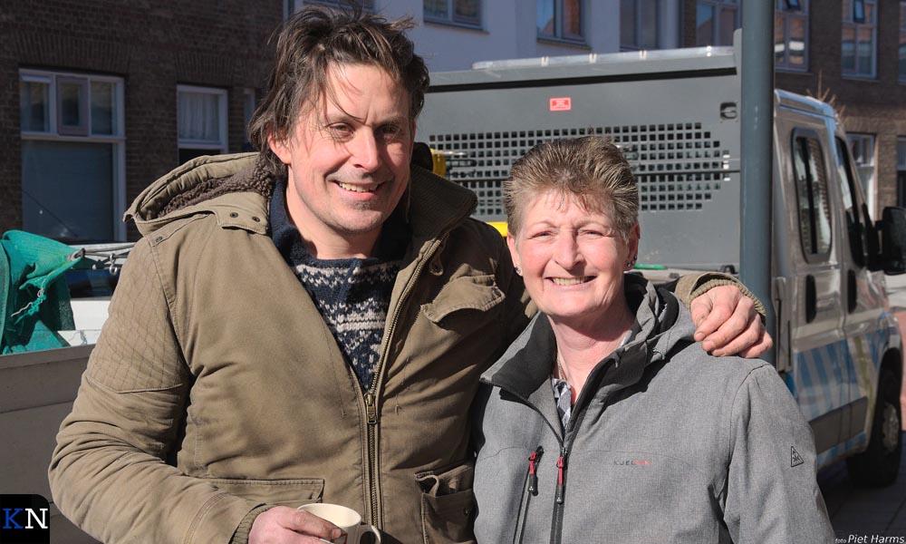 Lodewijk Hoekstra en Jolanda van de Wetering hebben het eerste Brunneper geveltuintje aangelegd.