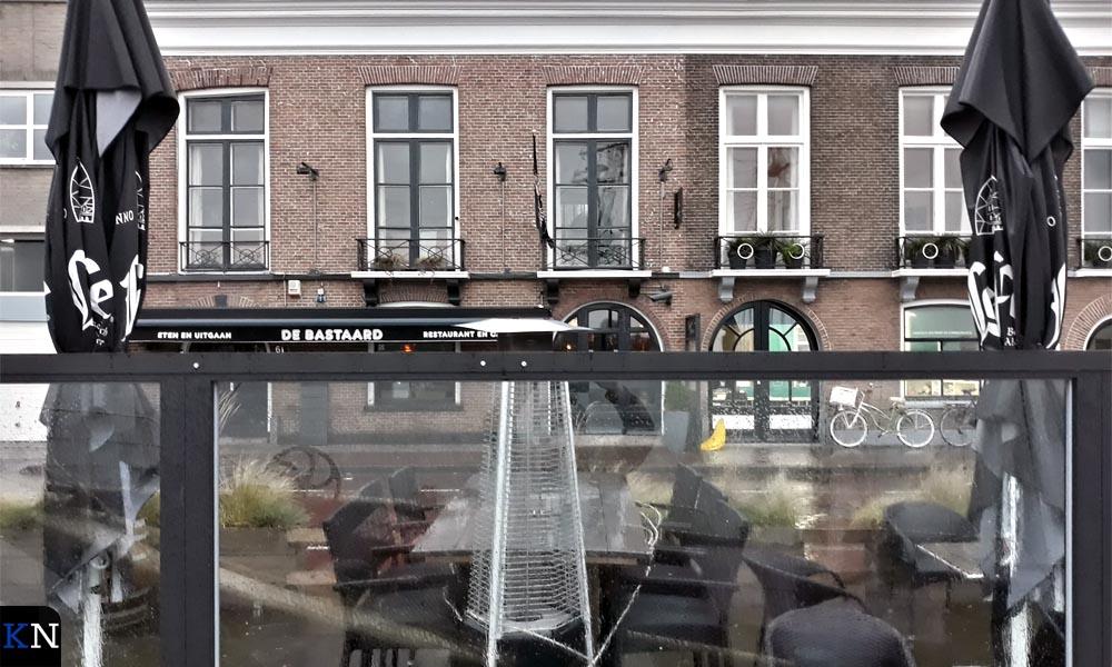 Het terras voor eetcafé De Bastaard.