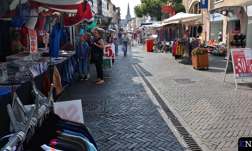 De Oudestraat tijdens de Kamper Ui(t)dagen