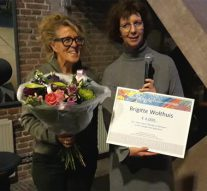Stadsdichteres wint Kamper Kunstprijs 2019 (video)