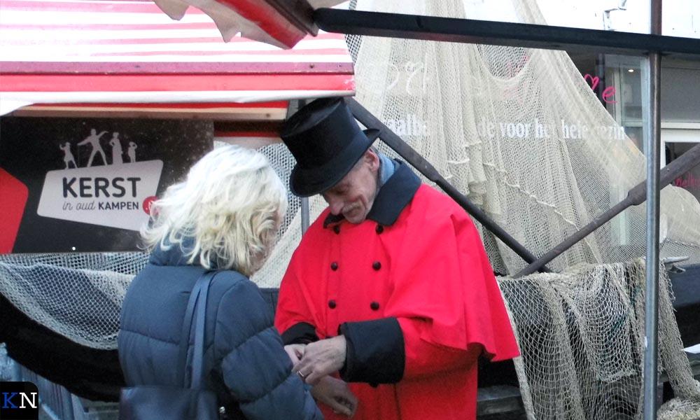 Vorig jaar kregen bezoekers van Kerst in Oud Kampen een polsbandje bij de entree van het festivalterrein (lees: de binnenstad).