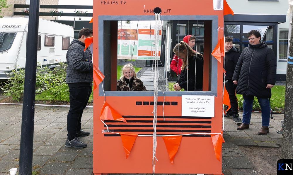 Op de Vrijmarkt in IJsselmuiden kwamen ook de kinderen creatief uit de hoek.