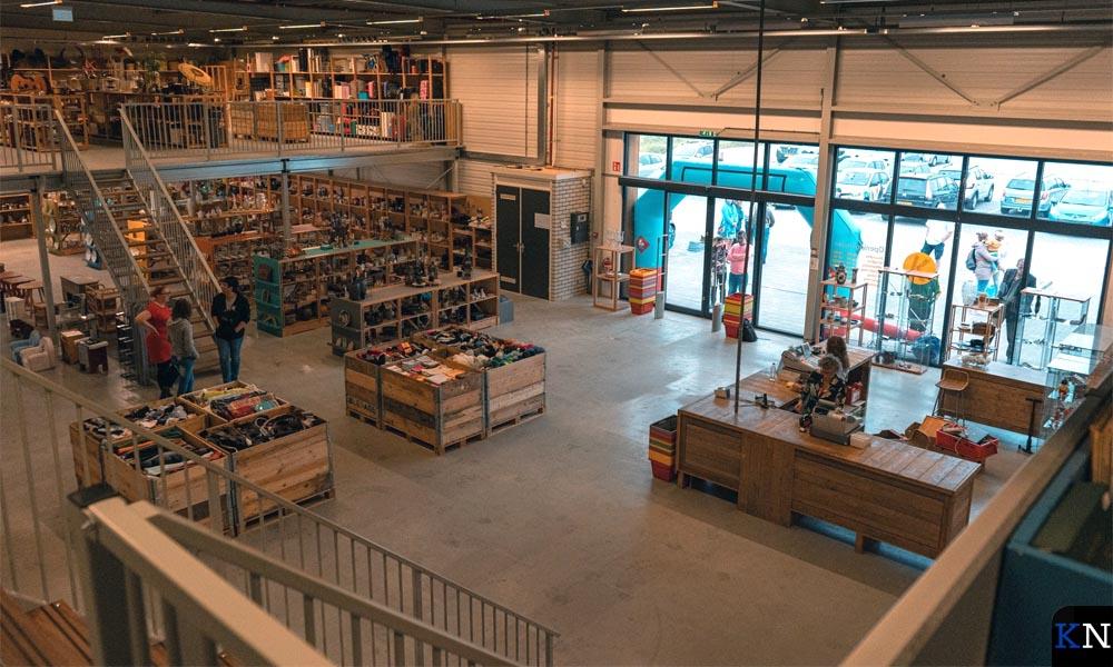 De nieuwe locatie geeft de mogelijkheid om de winkel ruim op te zetten.