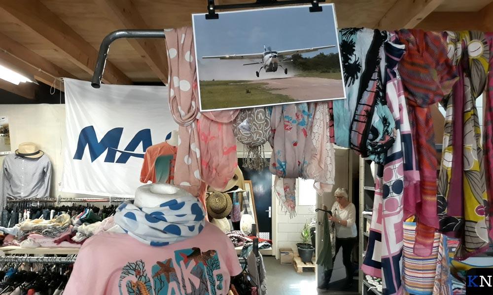 Ruim assortiment aan kleding aan de Oosterholtseweg in IJsselmuiden.