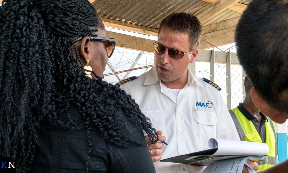 Arjan Paas vliegt voor de MAF naar moeilijk bereikbare (hulp)gebieden.