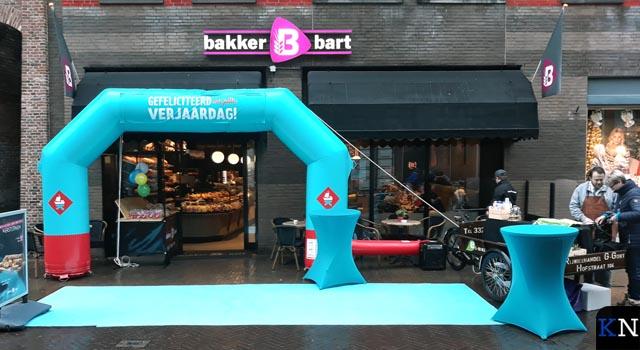 Bakker Bart viert één jaar heropening