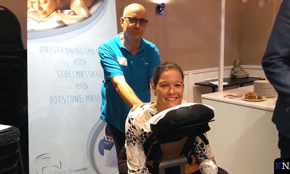 Jessica van Dijk liet zich de verzorging door Flevo Massage welgevallen.