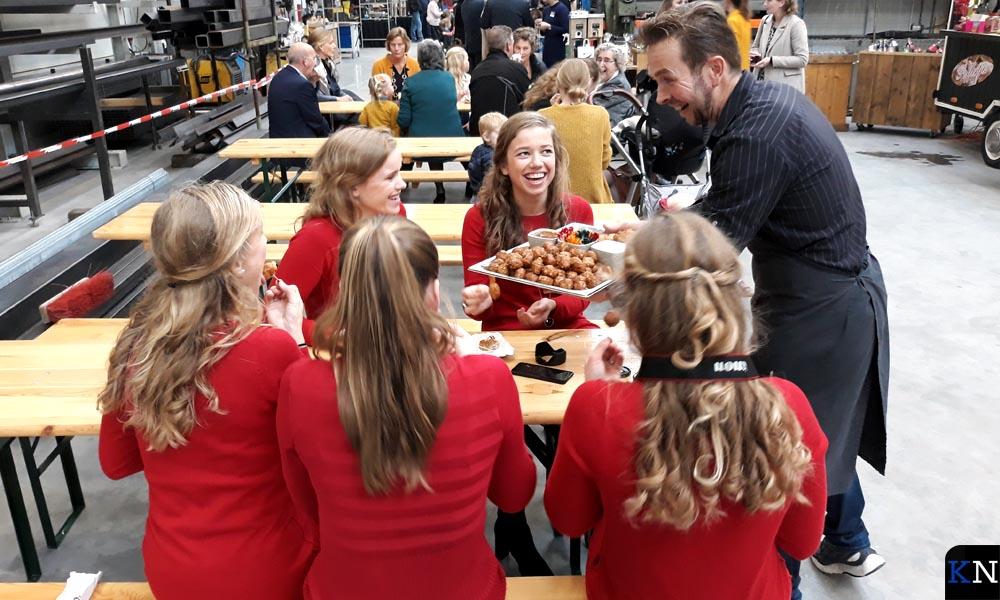 Bitterballen voor de dochters van Van Hierden.