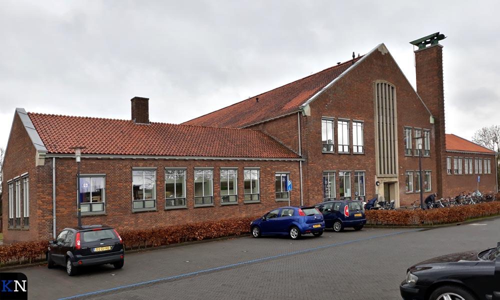 """De vroegere """"Gemeentelijke school voor Middelbaar- en Lager Beroepsonderwijs""""."""