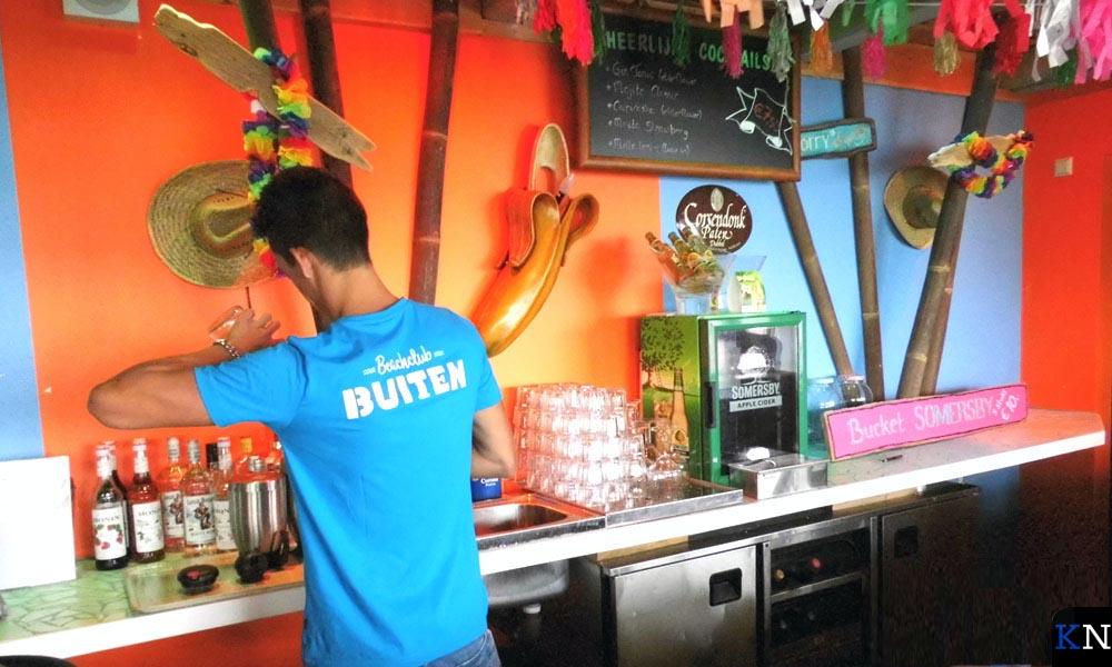 De beachclub van Café Buiten bij de Music Club.