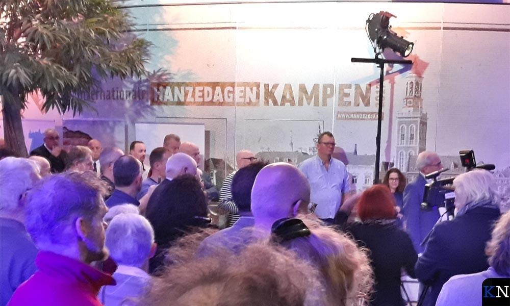 Een dwarsdoorsnede van de Kamper bevolking was aanwezig op de nieuwjaarsreceptie van gemeente Kampen.