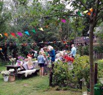 Jarige stichting trakteert voedselbos op fruitbomen (video)
