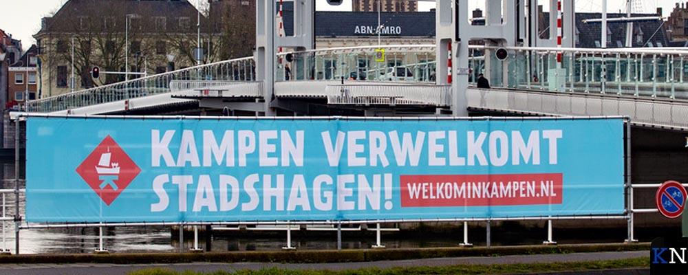 Spandoek ter verwelkoming Stadshagenezen.