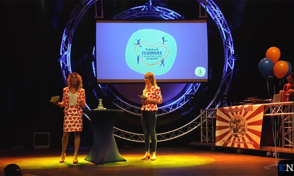 Irene en Jenneke, werkzaam bij Rabobank Kampen, presenteerden de avond.