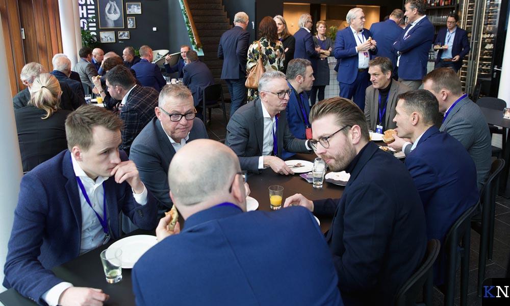 Ondernemers met elkaar om de tafel op het Regio Zwolle Congres.