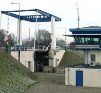 Roggebotsluis wordt vervangen door brug