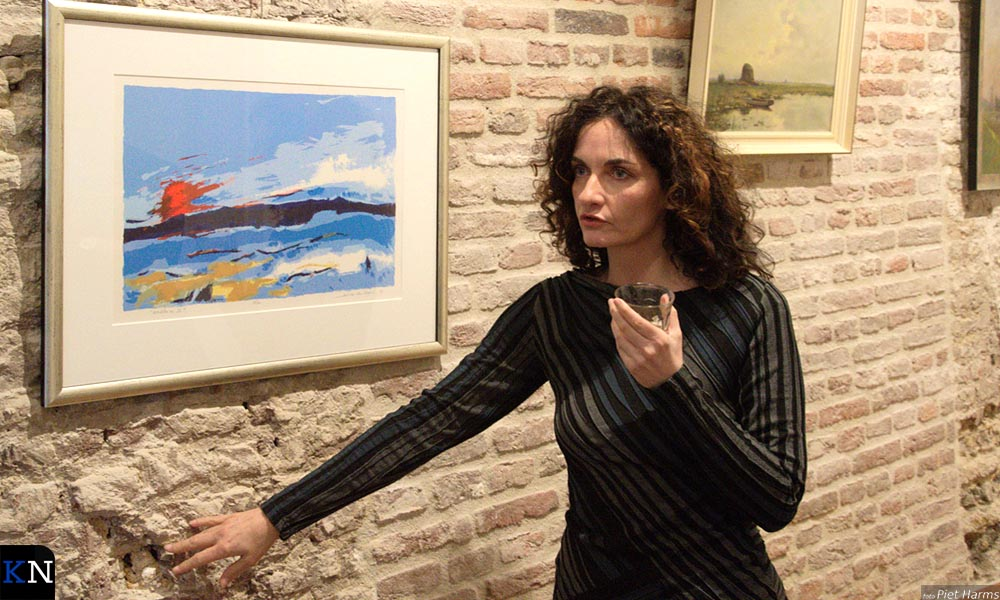 Janita Tabak bij de expositie 'De smaak van de burgemeester'