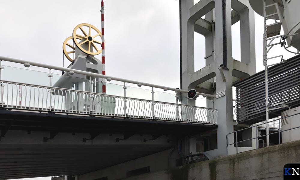 De te onderhouden onderdelen van de Stadsbrug nader bezien.