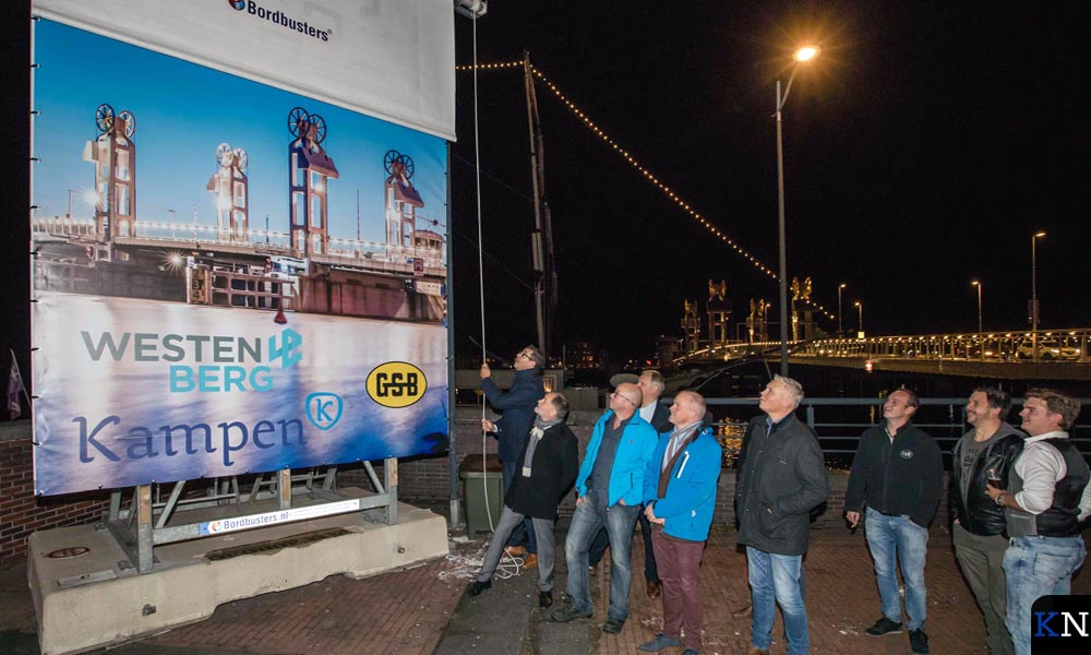 Dankwoord voor publiek na gereedmelding groot onderhoud Stadsbrug.