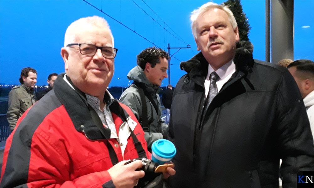 Kasper Haar, Stefan Verkerk en Albert Holtland op het perron van station Zwolle Stadshagen.