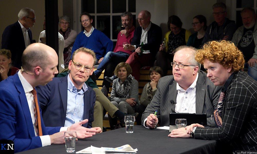 V.l.n.r. Meijering (CU), Boddeus (KS), Scluter (vz.) en Spijkerman (VVD).