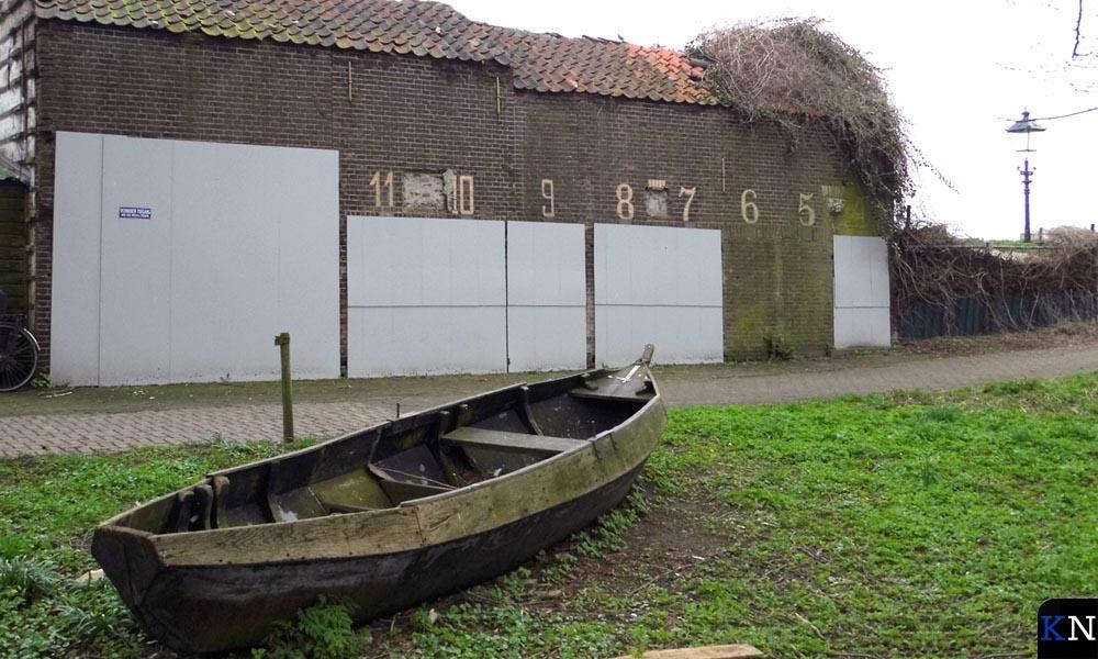 De vervallen latent monumentale Vischrookerij in Brunnepe.