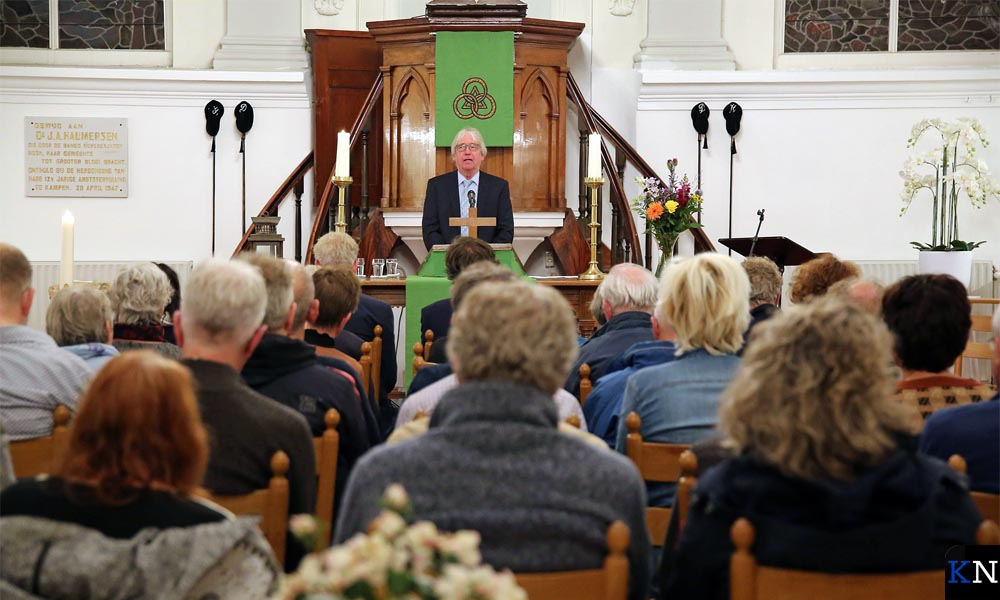 Rinus van Warven in de Lutherse Kerk bij de afsluiting van de Vredesweek 2019.